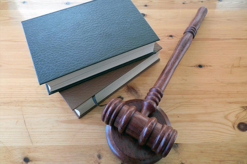 Как суд назначает экспертизу